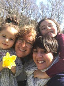 Belinda, Esther y sus hijas Jimena y Vega