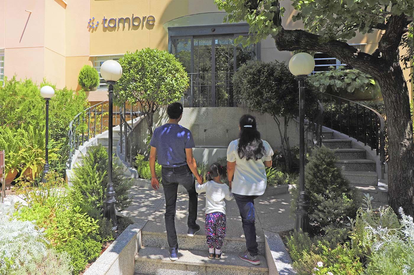 Pacientes-indios-entrada-Tambre